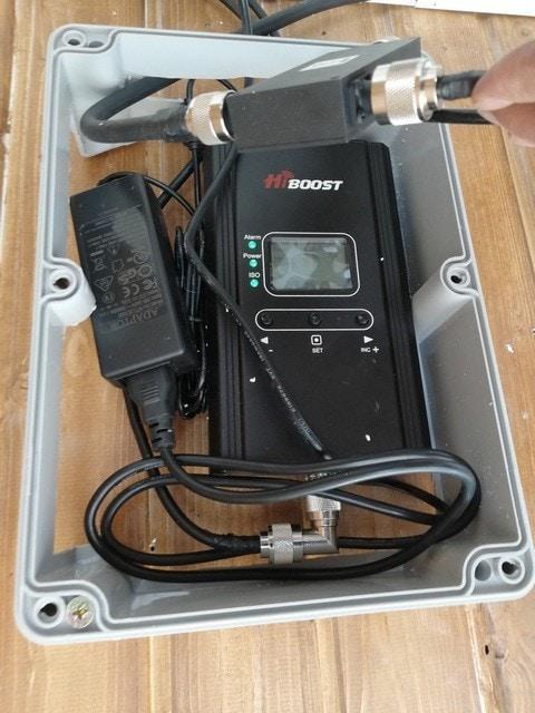 GSM + 3G signal booster HiBoost Hi23-EW